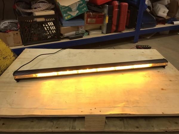TD9 LED Heckwarnanlage - 8 LED Module - 1170 mm - 12 Volt - NEU